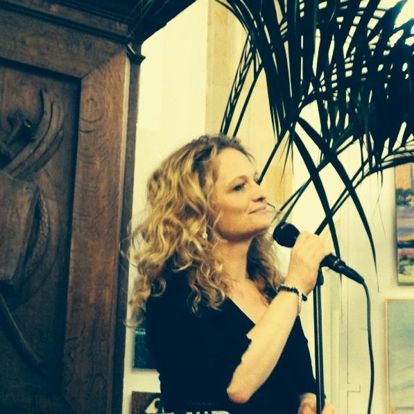 Cleo sings