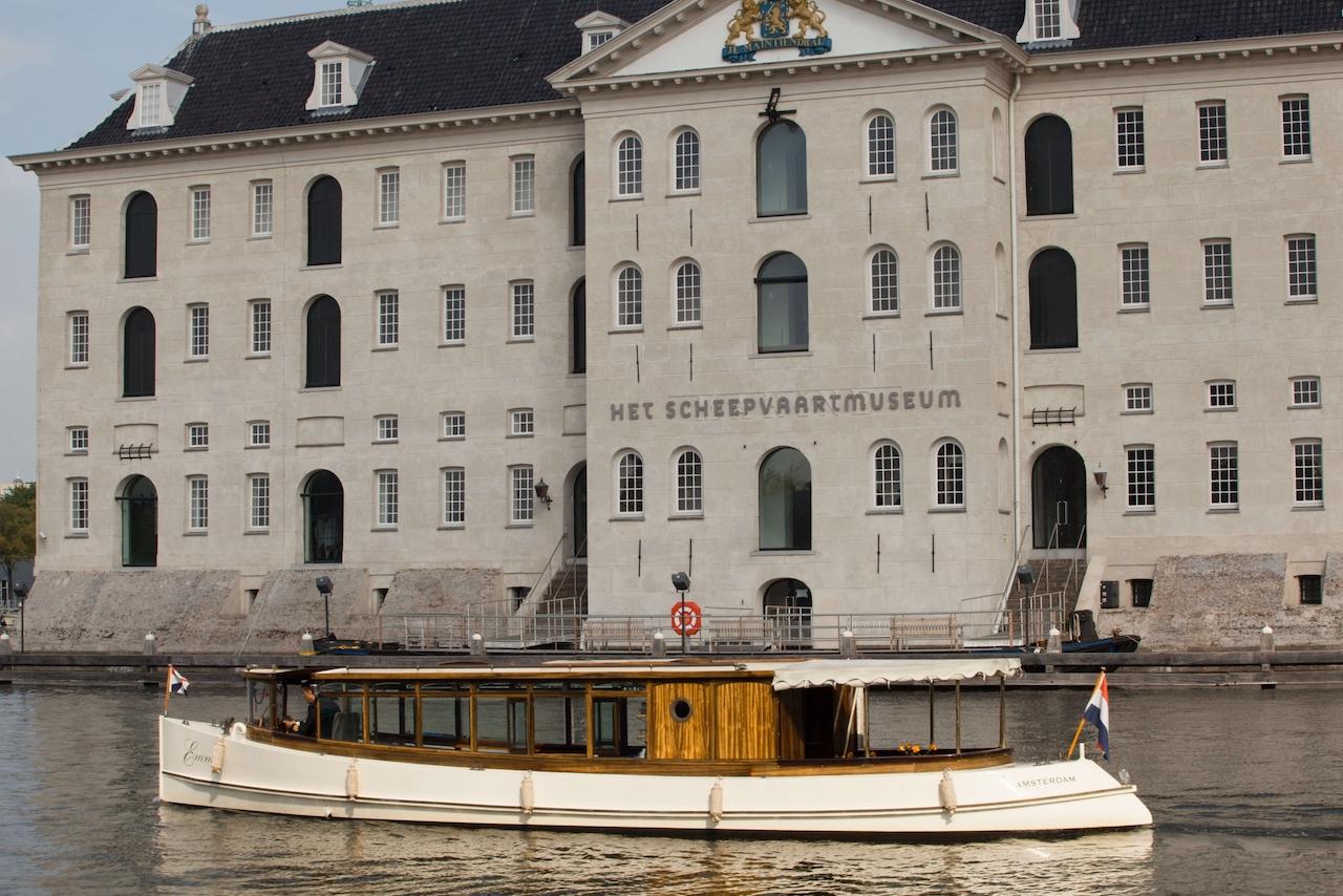 salonboot Emma voor scheepvaart museum