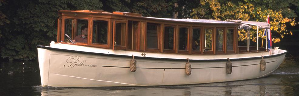 Salonboot Belle van Zuylen op de vecht